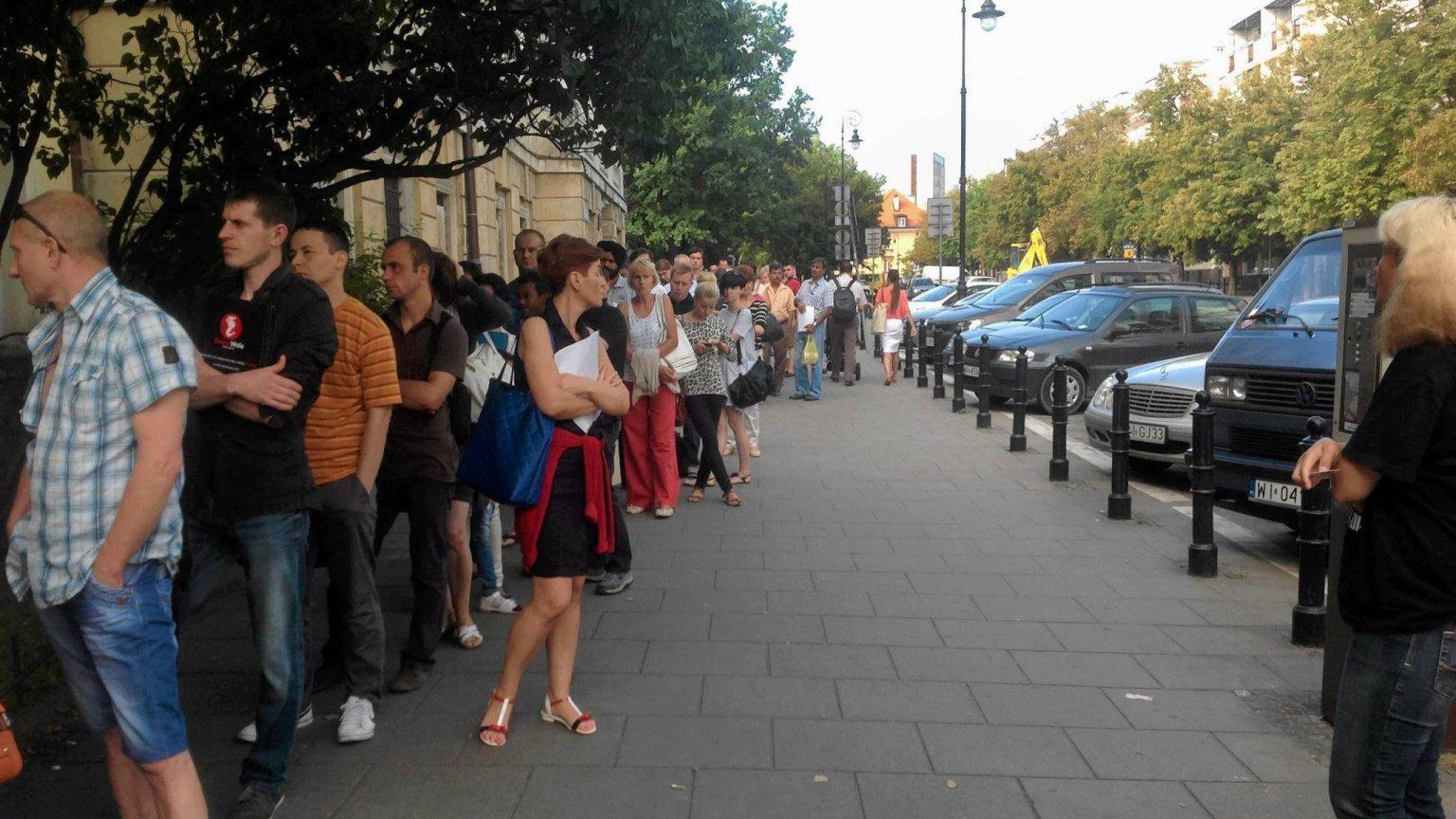 Czy to już koniec z wielogodzinnymi kolejkami w Urzędach Wojewódzkich?