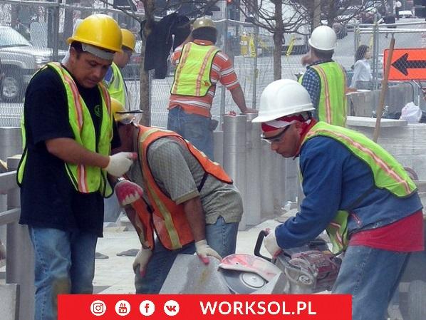 Pracownicy z Filipin na budowie