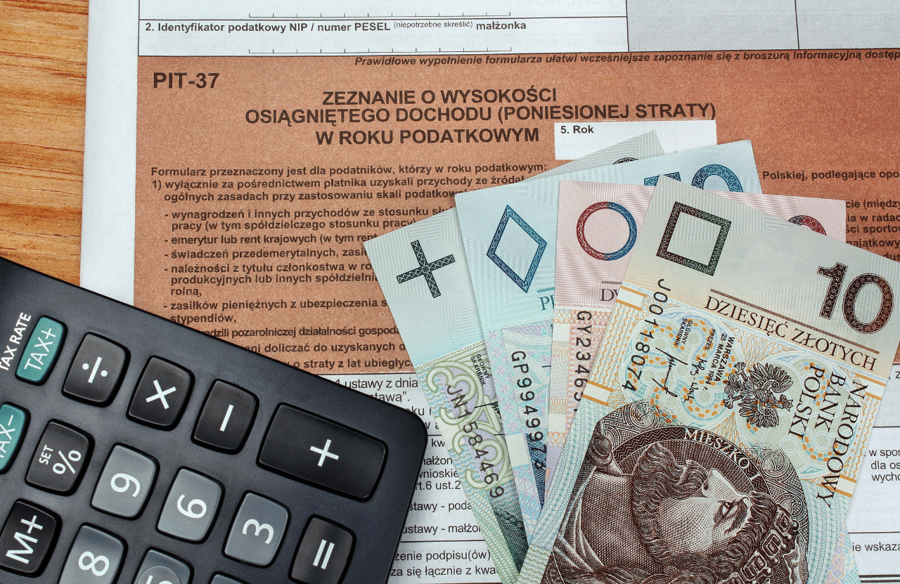Як українцю максимально повернути собі гроші від податку в Польщі?
