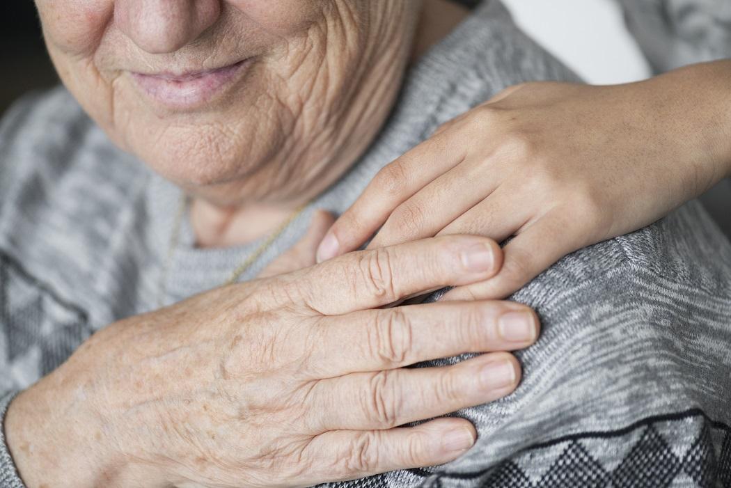 Opiekunka z Filipin dla osoby starszej – doskonałe rozwiązanie dla niesamodzielnych seniorów