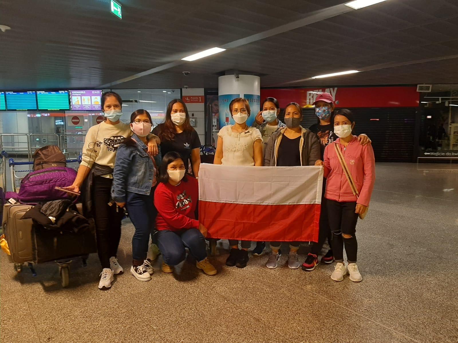 Rok z pracownikami z Filipin